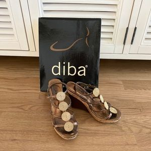 🌺 Diba Wedges Bronze with Gold Metal Detail 🌺